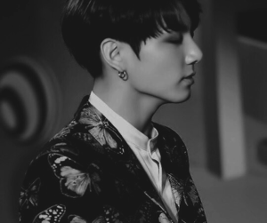 black and white, sexy boy, and kook image