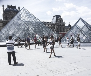 city, life, and louvre image