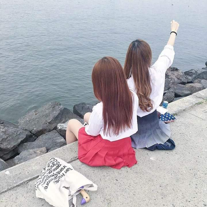 girls, friends, and ulzzang girl image