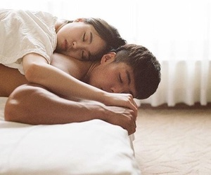 asian, bed, and Relationship image