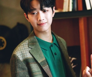 wanna one and lai guanlin image