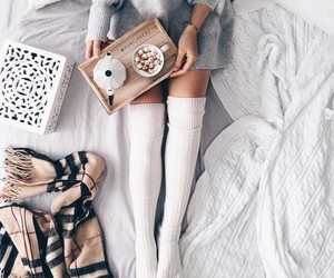 girl, bed, and breakfast image