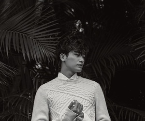 model and park hyung sik image