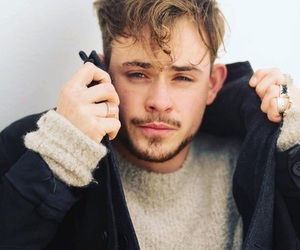 dacre montgomery, stranger things, and boy image
