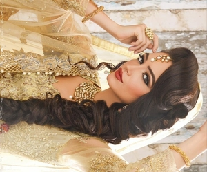 jewelry, indian bride, and bridal makeup image