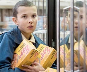eleven, stranger things, and waffles image