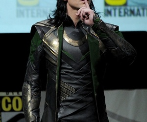loki, tom hiddleston, and Avengers image