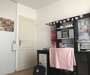 desk, kpop, and pink room image