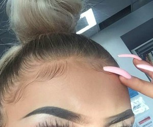 eyebrows, makeup, and eyelashes image