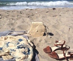 aesthetic, beach, and clothes image