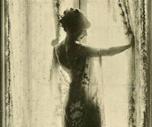 vintage, dress, and lady image