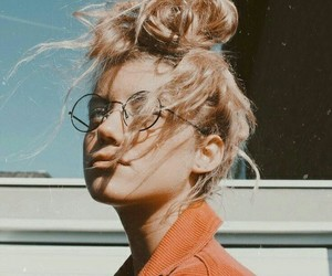 blond, lentes, and gafas image