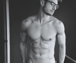 body, fit, and shirtless image