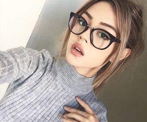 girl beauty galsses image