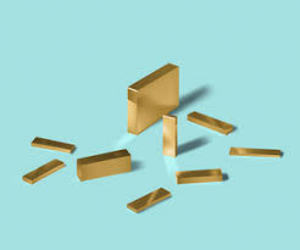 gold and minimalistic image