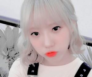 edit, fake, and cosmic girls image