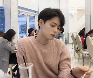ulzzang, soft, and aesthetic image