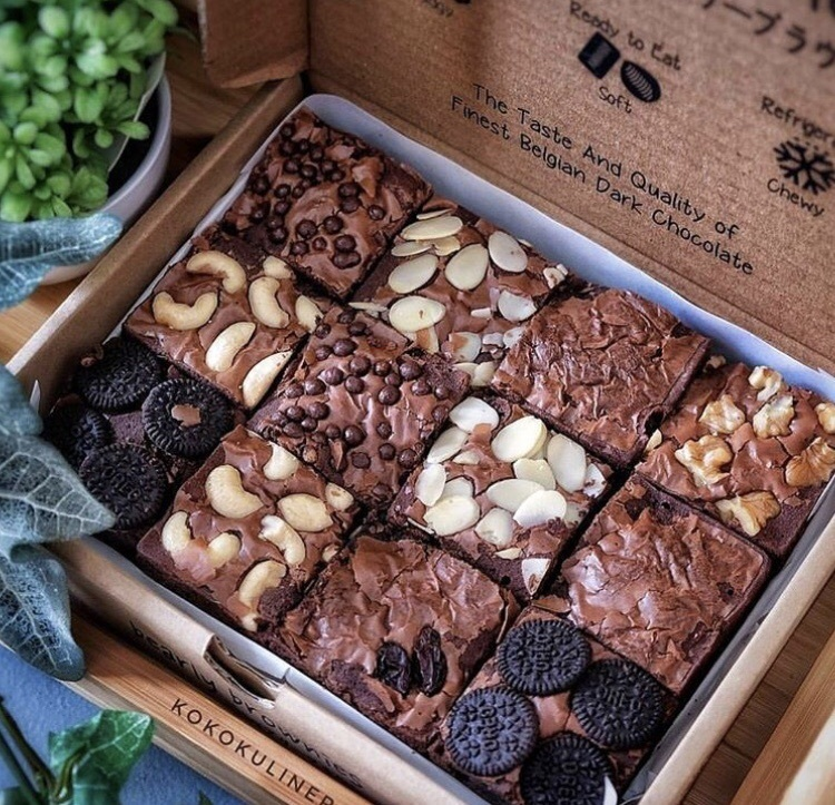 almond, chocolate, and snack image