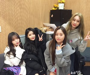 girl group, soojung, and lvlz image