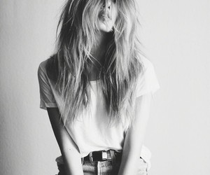 aesthetic, black and white, and girl image
