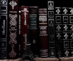 books and black image