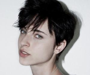short hair, art, and beauty image