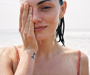 actress, natural, and phoebe tonkin image