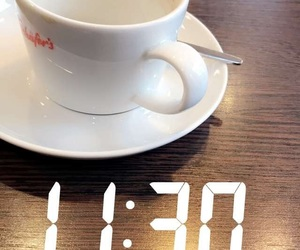 coffee and snaps image