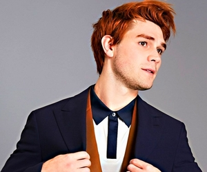 photoshoot, 2017, and kj apa image