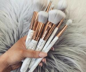 makeup, beautiful, and gold image