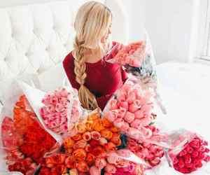 bouquet, Fleurs, and women image