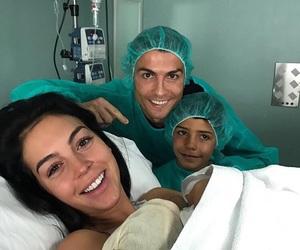 cristiano ronaldo, family, and georgina rodriguez image