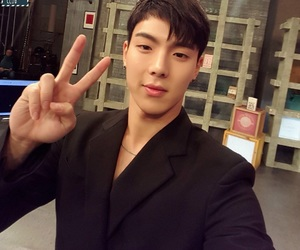 asian, kpop, and shownu image