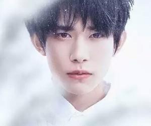 handsome boy, yi yang qian xi, and jackson yee image