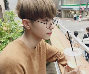 aesthetic, ulzzang, and alternative image