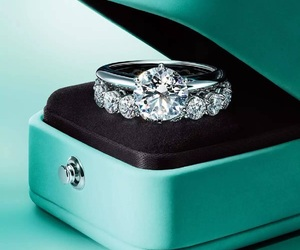 ring and tiffany image