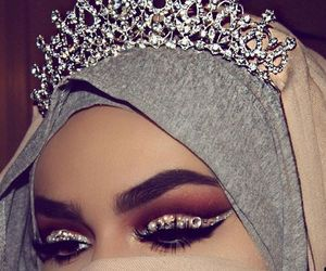 girl, hijab, and Queen image