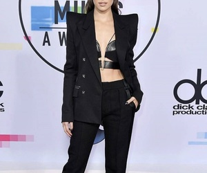 hailee steinfeld, red carpet, and 2017 image