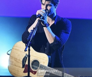 shawn mendes and amas 2017 image