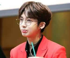 asian boy, boy, and hyungwon image