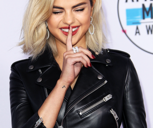 selena gomez and amas‬ image