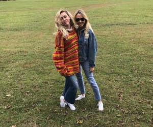 miley cyrus and tish cyrus image