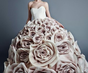 dress, fashion, and rose image