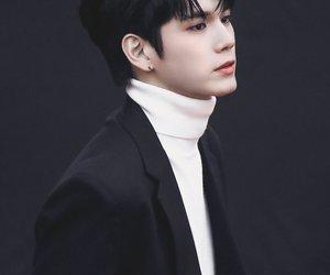 wannaone and ongseongwoo image