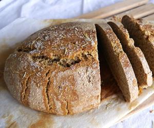 bread, vegan, and yummy image