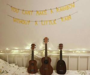 amarelo, quarto, and ukulele image
