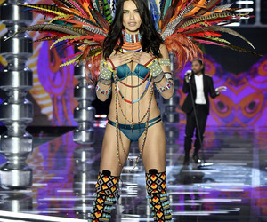 Adriana Lima, victoria secret, and runway image