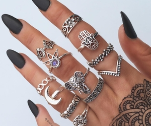 boho and nails image