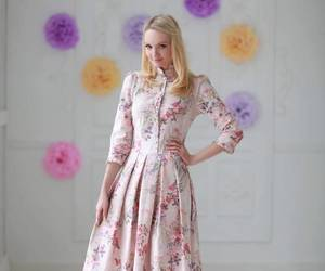 blonde, floral dress, and Full Skirt image