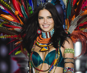Adriana Lima, vs, and vsfs image